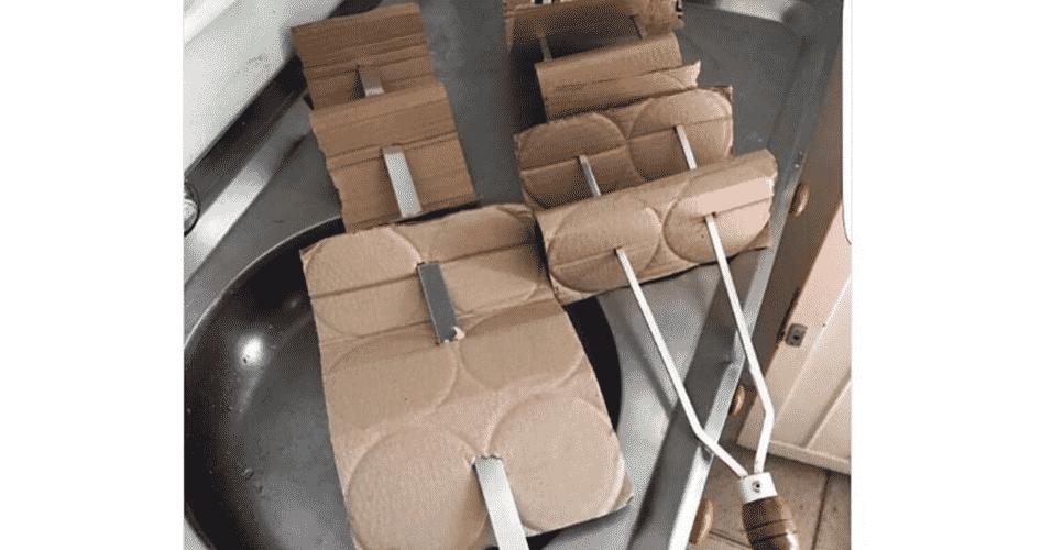 Memes da Operação Carne Fraca: churrasco de papelão - Reprodução/Twitter