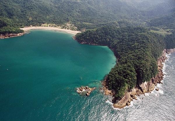 19.abr.2017 - Vista aérea do Parque Estadual da Serra do Mar, uma das unidades que compõe o Mosaico Bocaina