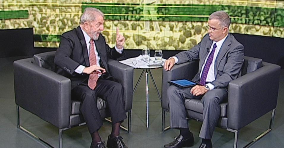 26.abr.2017 - O ex-presidente Luiz Inácio Lula da Silva concede entrevista ao jornalista Kennedy Alencar, do