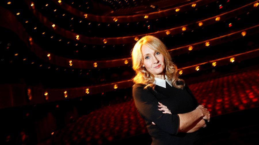 J.K. Rowling posa para foto em Nova York; autora tem sido acusada de transfobia - Carlo Allegri
