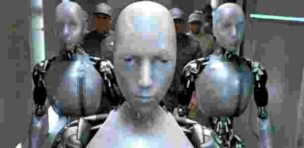 Cena do filme Eu, Robô, baseado na ficção de Isaac Asimov, em que as máquinas participam de uma conspiração contra a humanidade - Divulgação
