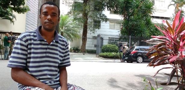 """André Santos conta que a prisão de Garotinho mobilizou o bairro. """"Todo mundo ficou abismado."""" - Paula Bianchi/UOL"""