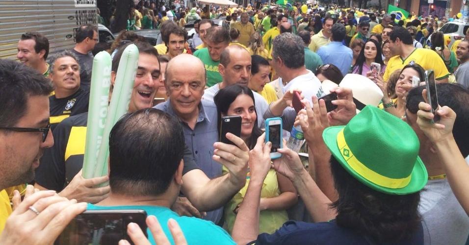 13.dez.2016 - Chanceler José Serra participou de na av. Paulista, em 13 de março de 2016.  Ele é suspeito de receber dinheiro da Odebrecht em uma conta na Suíça