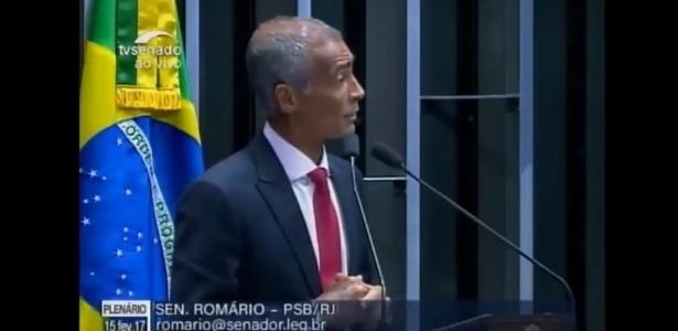 No Senado, Romário defende que cirurgia controversa seja oferecida pelo SUS