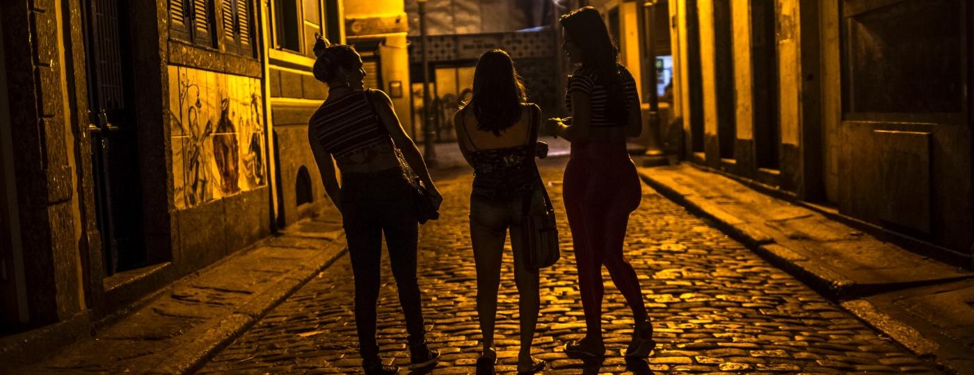 Assim como milhões de trabalhadores autônomos brasileiros, as profissionais do sexo são as mais afetadas pela pandemia do novo coronavírus - Dado Galdieri/The New York Times