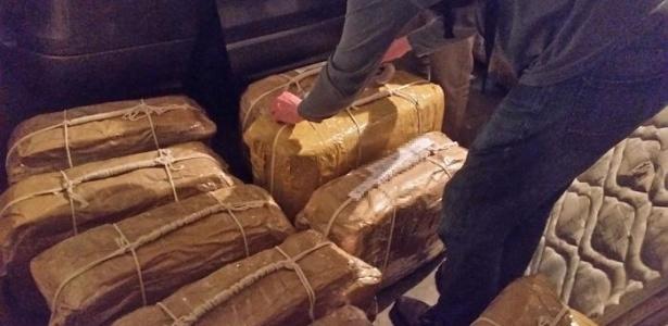 Autoridades contabilizaram 389 quilos de cocaína distribuídos em 360 pacotes dentro de 12 malas  - Ministério da Segurança da Argentina via Reuters