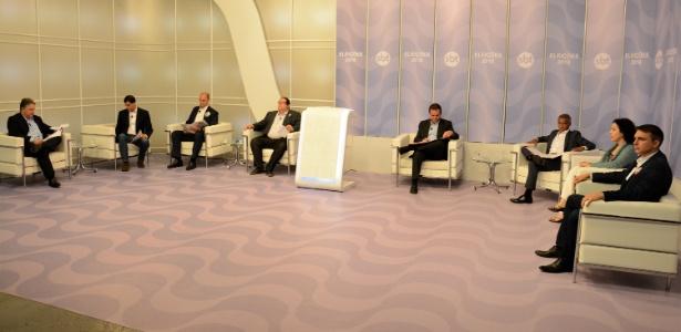 Candidatos participam de debate UOL, Folha e SBT no Rio