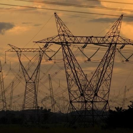 Torres e linhas de transmissão de energia na região de Marabá (PA) - Paulo Santos