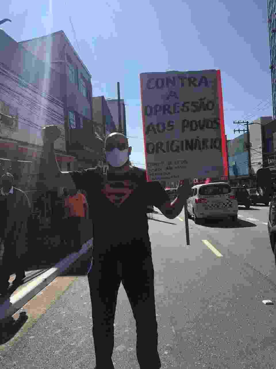 04/07/2020 - Manifestantes protestam contra o racismo e o governo Bolsonaro na zona sul de São Paulo - Luís Adorno/UOL