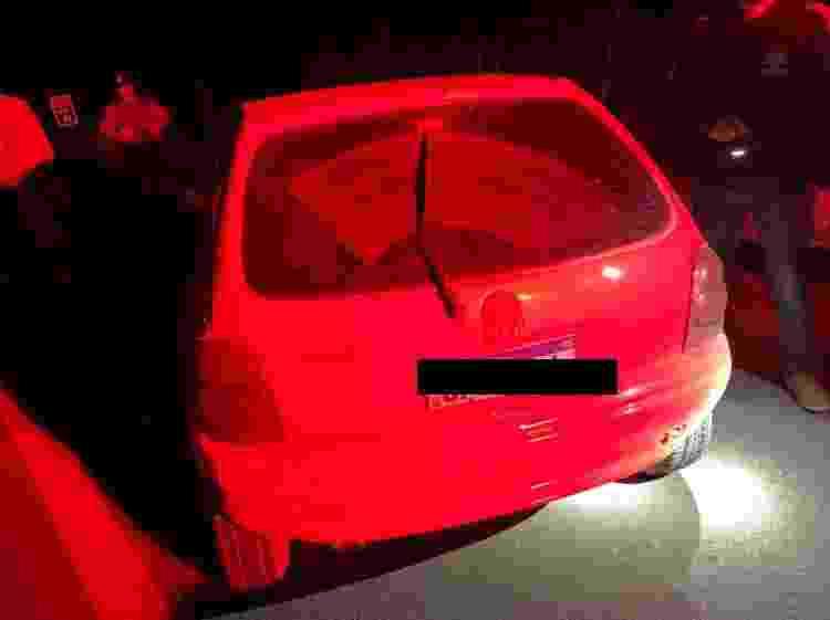 14.jun.2021 - Polícia diz que Lázaro Sousa roubou um Corsa vermelho, mas fugiu do carro e entrou numa mata ao perceber a barreira policial na estrada - Reprodução/UOL - Reprodução/UOL