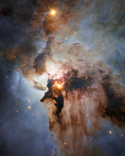 6.ago.2015 - NEBULOSAS - Algumas das vistas mais deslumbrantes do universo são criadas por nebulosas, as brilhantes e quentes nuvens de gás. Esta imagem do telescópio espacial Hubble mostra o centro da nebulosa ?Lagoa?, um nome enganosamente tranquilo, na constelação de Sagitário. A região está repleta de ventos intensos vindos de estrelas quentes, gases quentes agitados e energia de estrelas em formação