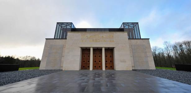 Memorial de Verdun fica no vilarejo de Fleury-devant-Douaumont, oeste da França, que foi completamente destruído pela batalha Batalha de Verdun, em 1916, travada por alemães e franceses por dez meses e considerada uma das mais importantes da Primeira Guerra Mundial