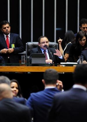 Presidente interino da Câmara, Waldir Maranhão, decidiu anular a votação do Impeachment e depois voltou atrás