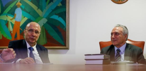 O ministro da Fazenda, Henrique Meirelles, e o presidente em exercício, Michel Temer, em reunião para definir meta fiscal