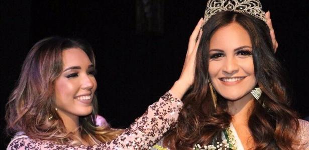 Milena Balza (à dir.) é coroada Miss Rio Grande do Norte 2017