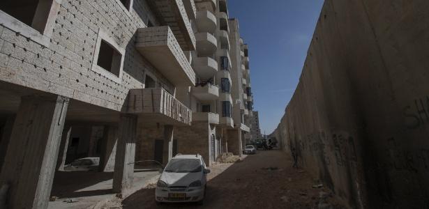 Prédio em construção na região de Kufr Aqab, em Jerusalém