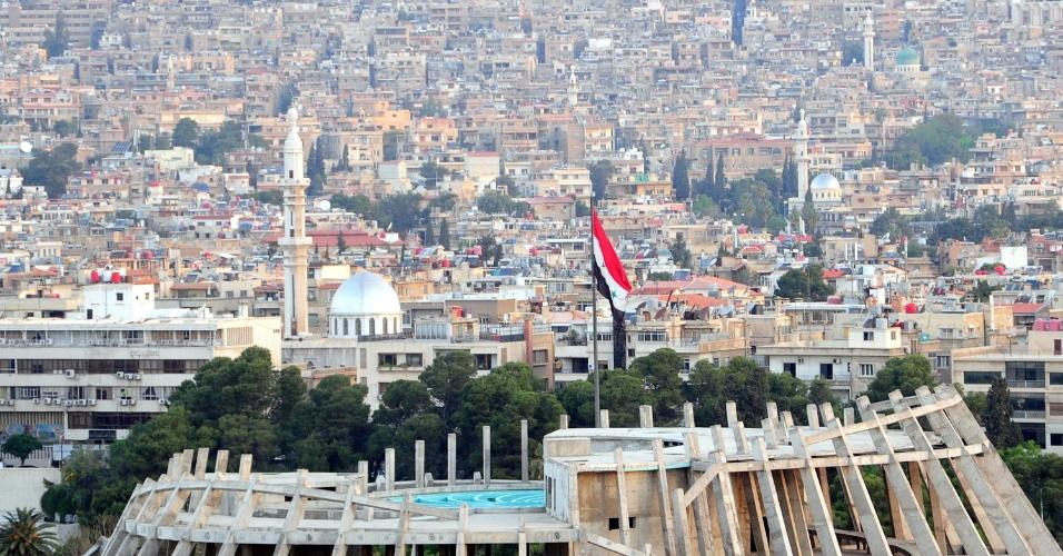 14.abr.2018 - Vista de Damasco, capital da Síria, na manhã deste sábado (14). Explosões foram ouvidas ao redor da cidade ao longo da noite e madrugada, durante ataque aéreo liderado pelos EUA, em resposta a suposto ataque químico do governo sírio contra rebeldes na semana passada