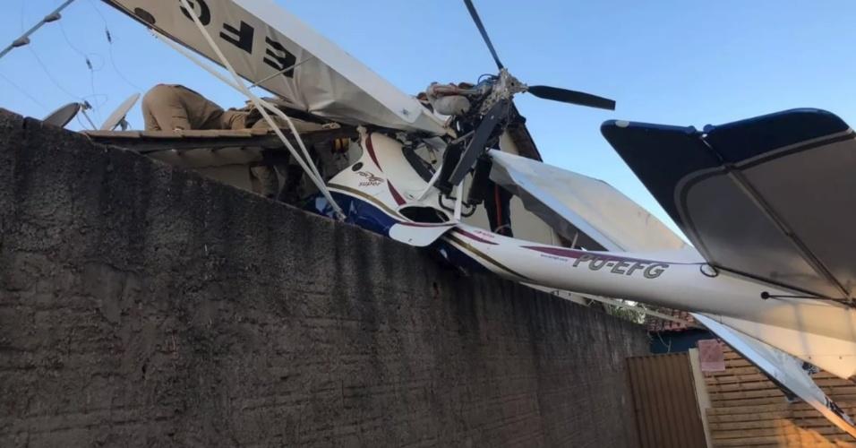Acidente aéreo em Goiânia | Bebê morre após queda de avião sobre casa em Goiás