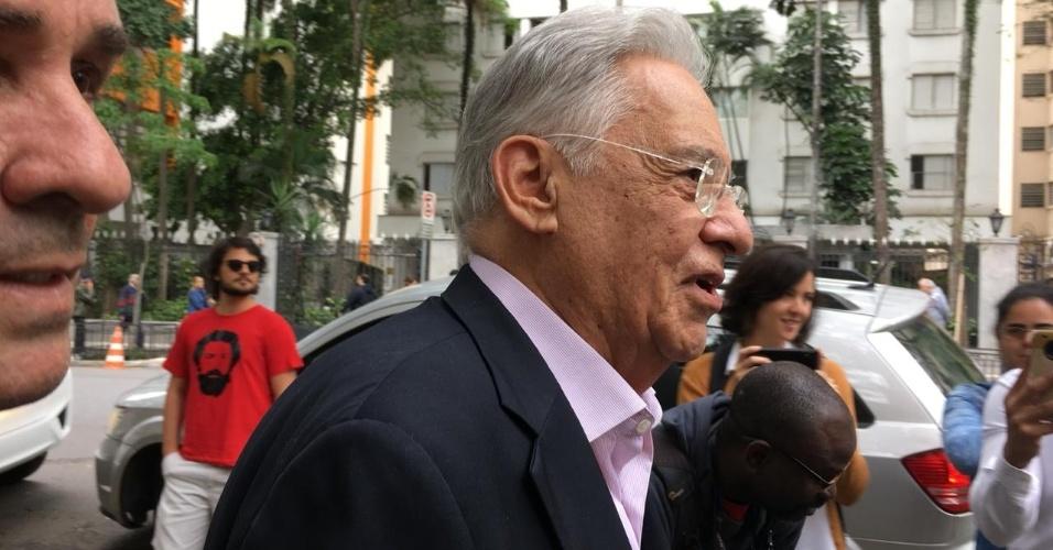 O ex-presidente Fernando Henrique Cardoso (PSDB) vota em São Paulo