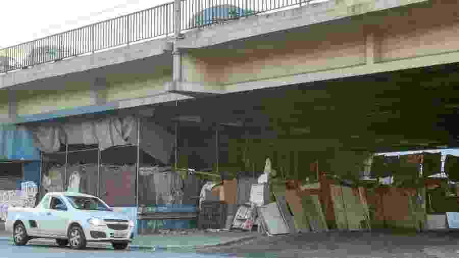 25.jun.2019 - Barracos montados sob o Viaduto Alcântara Machado, na Mooca, zona leste de São Paulo  - Daniel Teixeira/Estadão Conteúdo