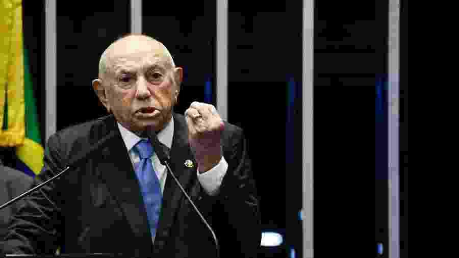O agora senador Siqueira Campos,