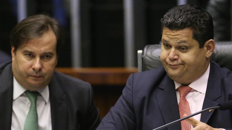 """Arquivo - O presidente do Senado, Davi Alcolumbre, contrariou Rodrigo Maia, que comanda a Câmara, e disse que não instalará nenhuma comissão para discutir a """"guerra das vacinas"""" - Dida Sampaio/Estadão Conteúdo"""