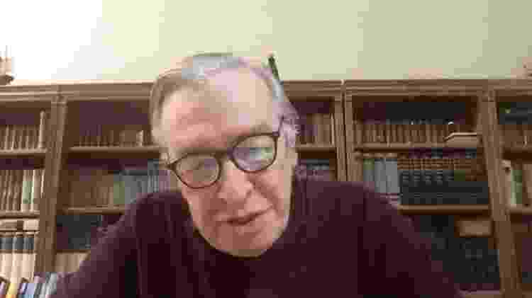 Olavo de Carvalho em entrevista por computador - BBC - BBC