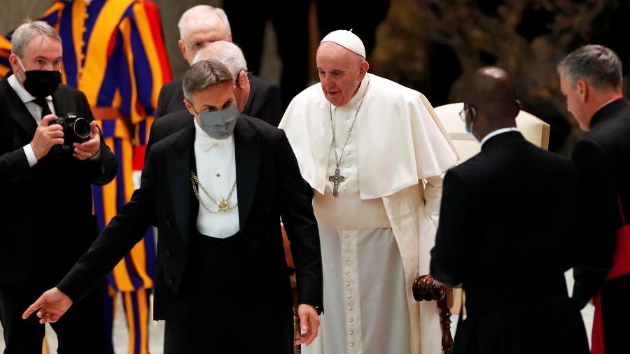 28.out.2020 - O papa Francisco participa de audiência geral no Vaticano sem máscara - Yara Nardi/Reuters