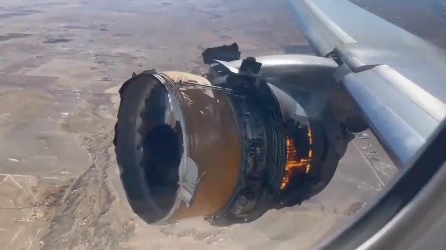 Vídeo que circulou nas redes sociais mostrava motor de Boeing da United Airlines após explosão - Reprodução/Twitter