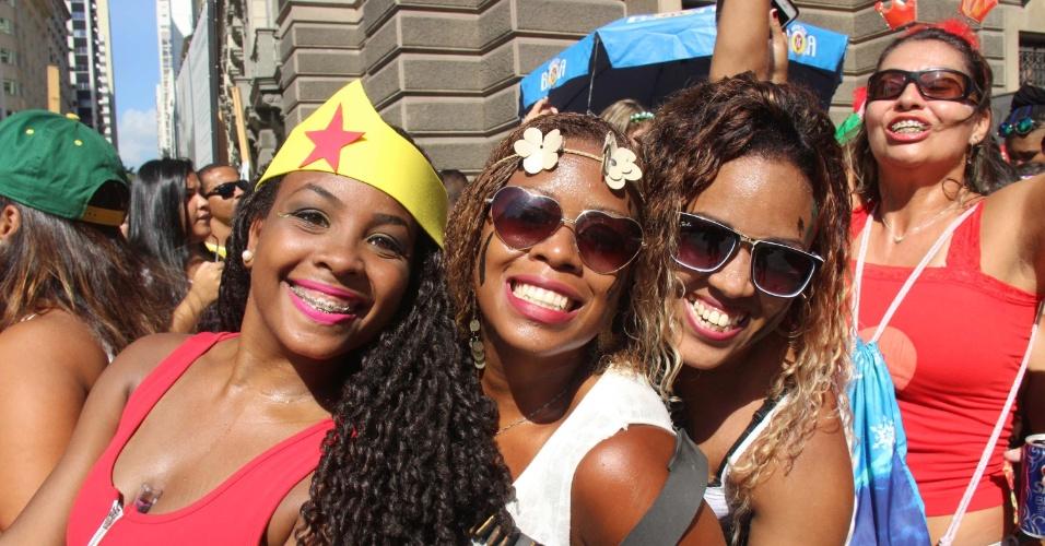 13.fev.2016 - Desfile do Bloco das Poderosas com as participações de Anita e Nego do Borel no centro do Rio de Janeiro (RJ). O Bloco das Poderosas/Giro do Arar começou seu desfile no início da manhã, na Rua Primeiro de Março, no centro da cidade do Rio de Janeiro, e encerrou a festa por volta das 13h