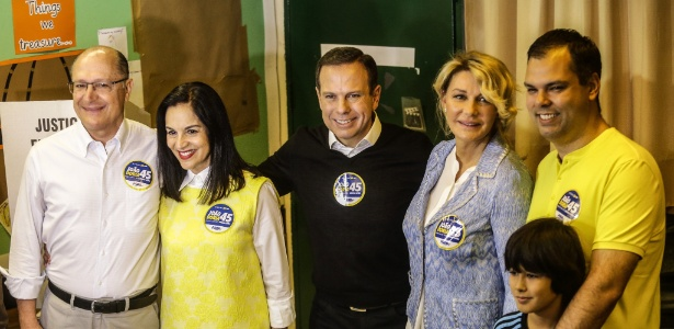 Candidato a prefeito de São Paulo, João Doria (PSDB) votou ao lado da mulher, Bia Doria