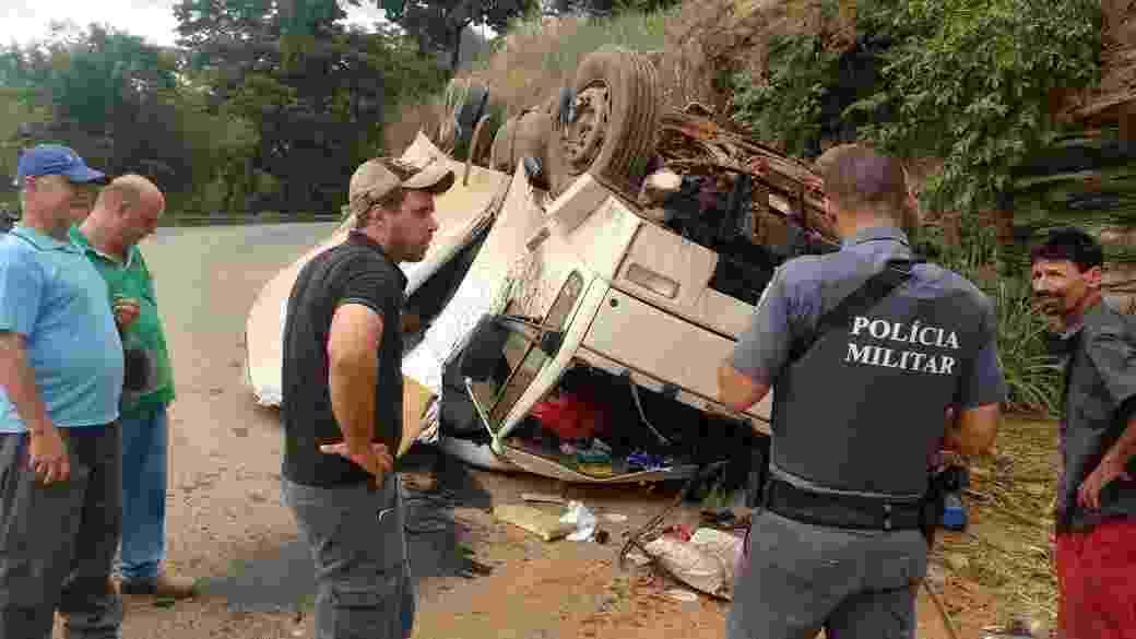 Acidente de caminhão que transportava caixões no Espírito Santo - Divulgação