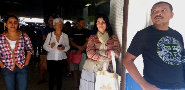 A gerente de loja Adriana Souza (de cachecol), 33, poderia ter sacado o FGTS em abril