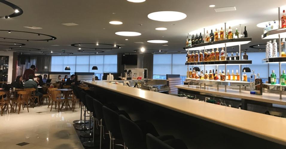 Bar no escritório da Diageo