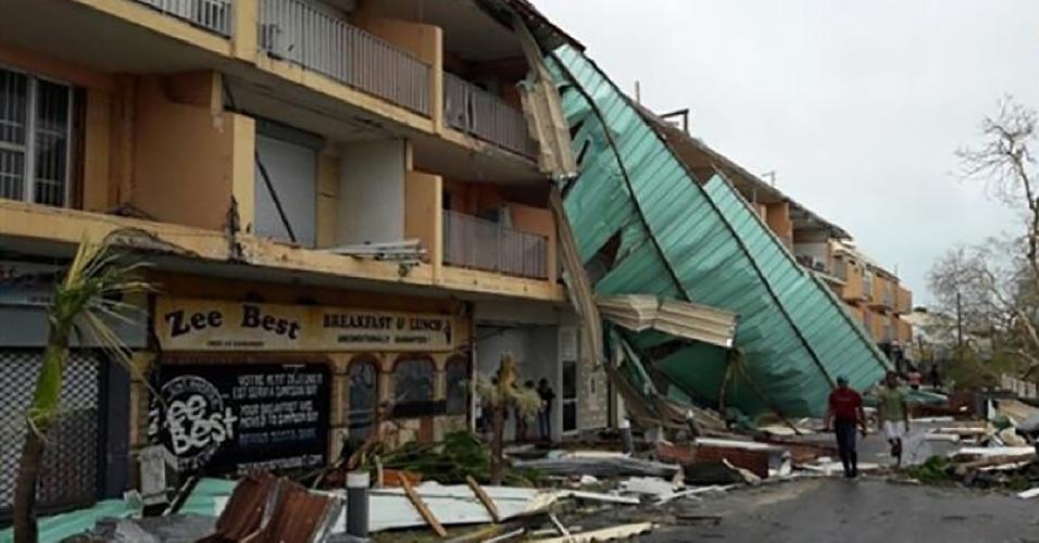 7.set.2017 - Danos em área da ilha ultramarina francesa de São Martinho depois que os fortes ventos do furacão Irma atingiram a ilha