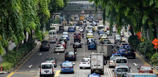 Trânsito em Cingapura: metrópoles mudarão no futuro - Roslan Rahman 24.out.2017/ AFP