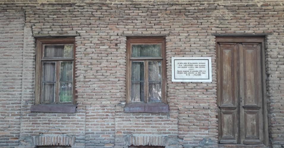 Placa indicativa da casa onde Stalin nasceu em Gori
