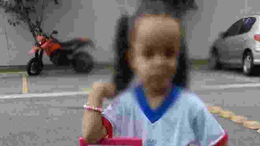 Mãe diz que filha de três anos foi esquecida por mais de três horas em ônibus escolar em Cajamar, na Grande São Paulo - Reprodução/Facebook