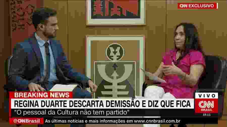 A secretária de Cultura do governo, Regina Duarte, dá entrevista ao jornalista Daniel Adjuto da CNN Brasil - Reprodução/CNN