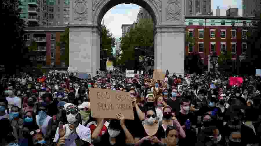 Especialistas afirmam que não é possível afirmar que as manifestações não aumentaram contágio  - EDUARDO MUNOZ/REUTERS