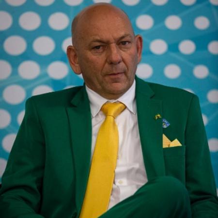 Luciano Hang de verde e amarelo - Luciano Hang/Daniel Marenco