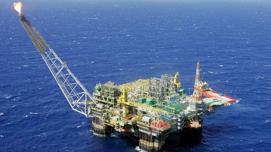A produção de petróleo no Brasil apresentou queda - Bruno Domingos/Reuters