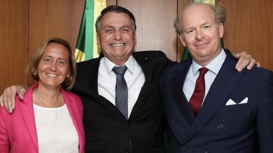 Beatrix von Storch e o marido (à dir.), em encontro com o presidente Jair Bolsonaro no Palácio do Planalto - Arquivo pessoal