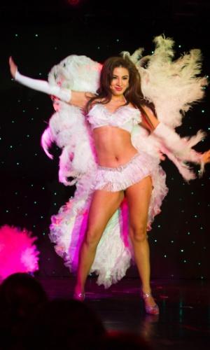 Lembrou o Brasil, né? Traje de Jeimmy Tahiz Aburto, Miss Guatemala 2015, para show ficou parecido com o de passistas de escolas de samba nacionais. A disputa do Miss Universo 2015 ocorre na noite deste domingo (20), em Las Vegas, nos Estados Unidos
