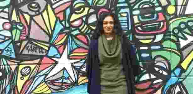 """""""Não estudei para domesticar aluno"""", afirma a professora Ane Sarinara - BBC Brasil"""