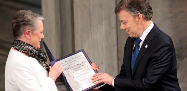 O presidente da Colômbia, Juan Manuel Santos, recebeu o Nobel da Paz em 2016