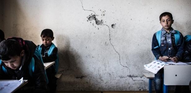 O Estado islâmico conquistou Mosul em junho de 2014 e tentou controlar grande parte da administração da cidade, incluindo o sistema de ensino. Agora que a parte oriental da cidade foi libertada, alunos e professores estão tentando voltar ao normal