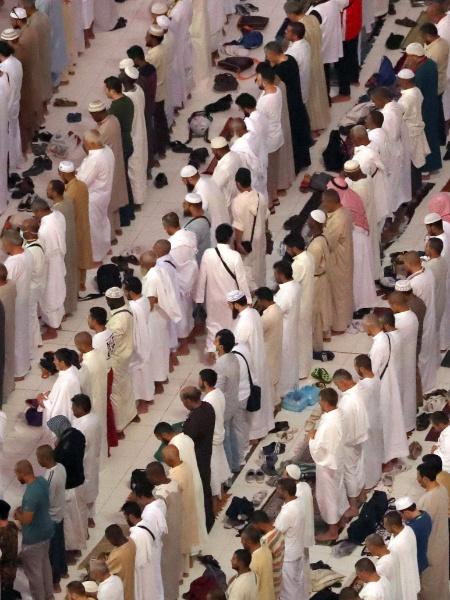 Apenas cidadãos que já estejam na Arábia Saudita, independente de nacionalidade, poderão participar da celebração - Karim Sahib/AFP Photo