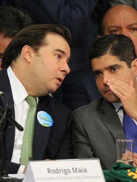 8.mar.2018 - ACM Neto (dir.) e Rodrigo Maia (à esq.), durante convenção do Democratas, em Brasília - Fátima Meira/Futura Press/Estadão Conteúdo
