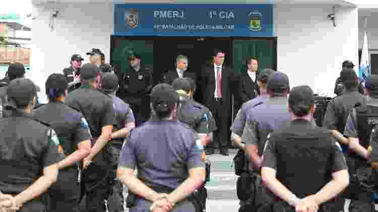 Policiais participam de cerimônia que substituiu UPP da Cidade de Deus por companhia da PM - César Sales/Futura Press/Folhapress - César Sales/Futura Press/Folhapress
